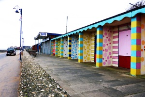 Oh some folk they do like to be beside the sea-side, they do like to be beside the sea - in gaily, if not subtly, painted Council beach-huts, but not me. I. Not I. That is to say that I don't, not for long, anyway.