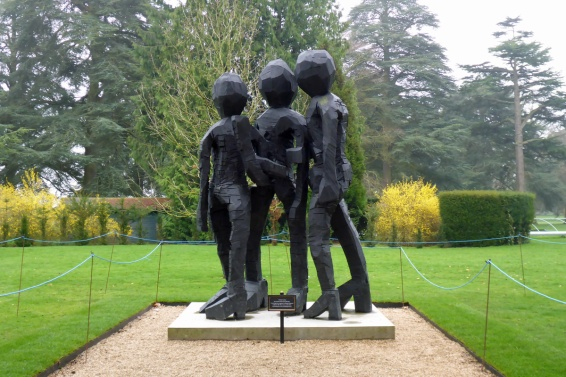"This is, apparently, someone's ""homage"" to the (real) sculpture, The Three Graces. Kylie, Sharon and Baz, as far as I can make out."